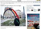 Strona internetowego wydania The New York Times, na której znalazł się artykuł o instalacji z pl. Zbawiciela w Warszawie