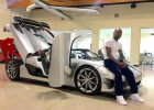 Floyd Mayweather pochwali� si� nowym autem