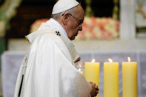 Papie� Franciszek: Mo�na m�wi� o trzeciej wojnie �wiatowej. Wojna jest szale�stwem