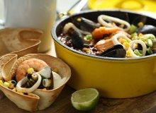 Chilli z owocami morza w tortilli - ugotuj