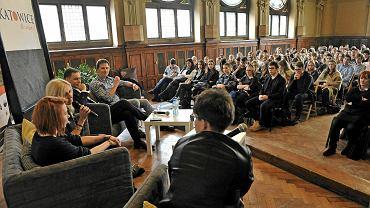 Gośćmi kolejnego spotkania cyklu 'Katowice, bo warto' byli w III LO im. A. Mickiewicza reprezentanci działających na Śląsku przedsiębiorstw, jak Unilever, Capgemini i Future Processing
