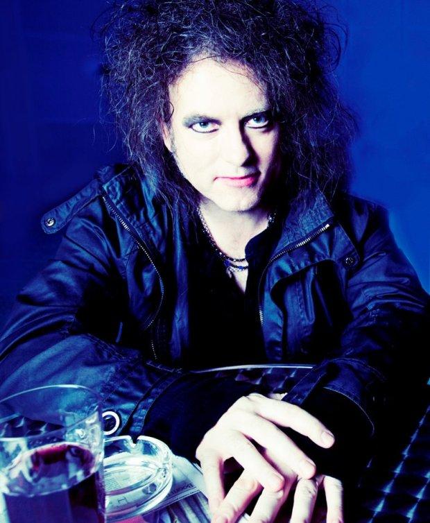 Dziś, swoje 57 urodziny obchodzi wokalista grupy The Cure!