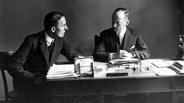 Konstanty Jeleński (z prawej) na zdjęciu z 1927 r., gdy był wicedyrektorem protokołu dyplomatycznego MSZ