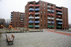 Reprywatyzacja w Warszawie. Miasto chwali się pomocą dla lokatorów