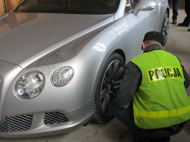 Policjanci odzyskali bentleye za 750 tys. euro [ZDJ�CIA]