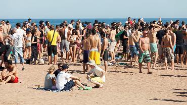 Władze Bellaria-Igea Marina postanowiły stworzyć studencką plażę tylko dla osób poniżej 30 roku życia