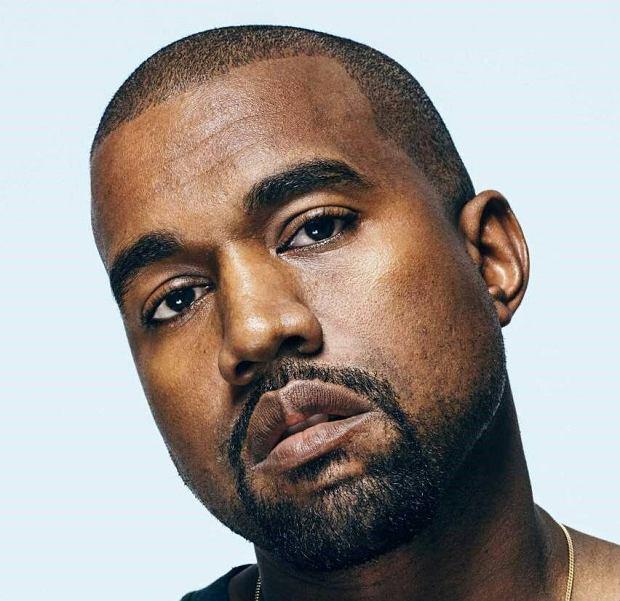 O tym, że Kanye West jest wielkim artystą głosi wiele jego słuchaczy, zwłaszcza on sam. Chociaż efekty pracy amerykańskiego rapera bronią się same, raz na jakiś czas artysta zaburza pozytywny odbiór jego postaci. Świadczą o tym dziwactwa i fanaberie, wobec których należy mieć sporo zrozumienia i cierpliwości. Tutaj oklaski należą się Kim Kardashian.