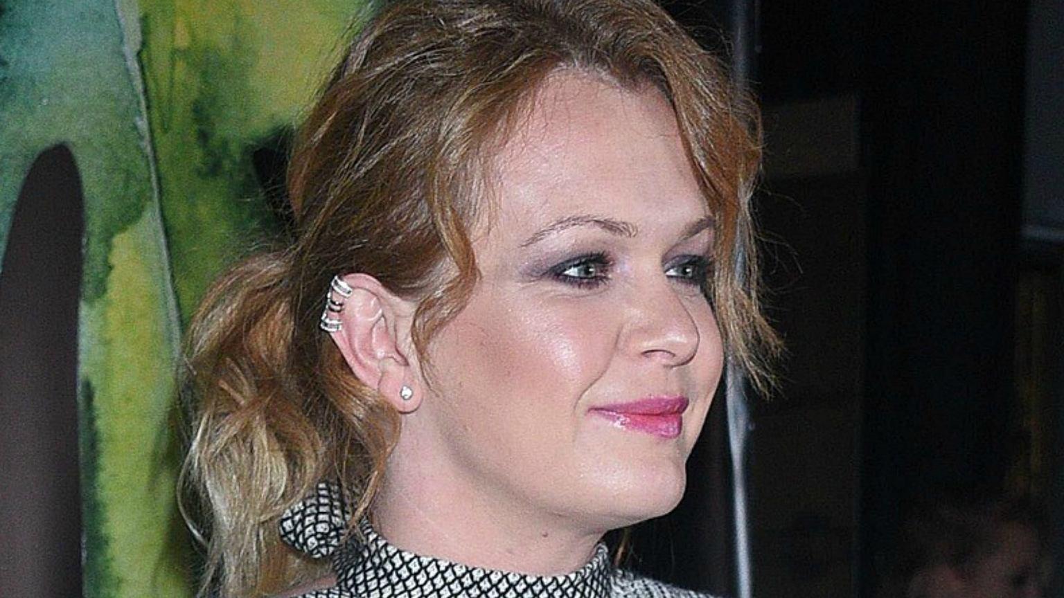 Daria Widawska przefarbowała włosy. Postawiła na CIEMNY brąz. Fani: Piękna zmiana. Nie sposób się z nimi nie zgodzić
