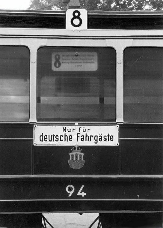 'Nur fuer Deutsche' na krakowskim tramwaju