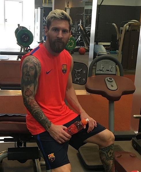 Leo Messi rok temu również przefarbował włosy
