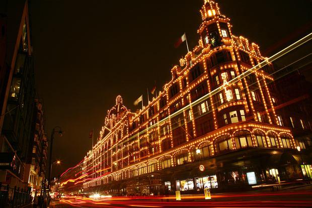 Londyn Harrods / shutterstock