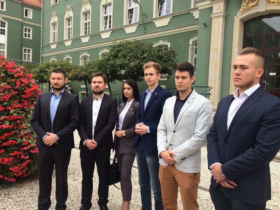Kandydaci Koalicji Antysystemowej na radnych Szczecia