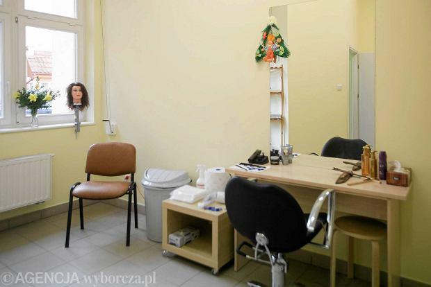 Zakładu Fryzjerskiego Aktualne Wydarzenia Z Kraju I Zagranicy