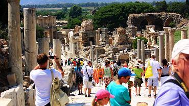 Polacy coraz chętniej kupują zagraniczne wycieczki z dużym wyprzedzeniem