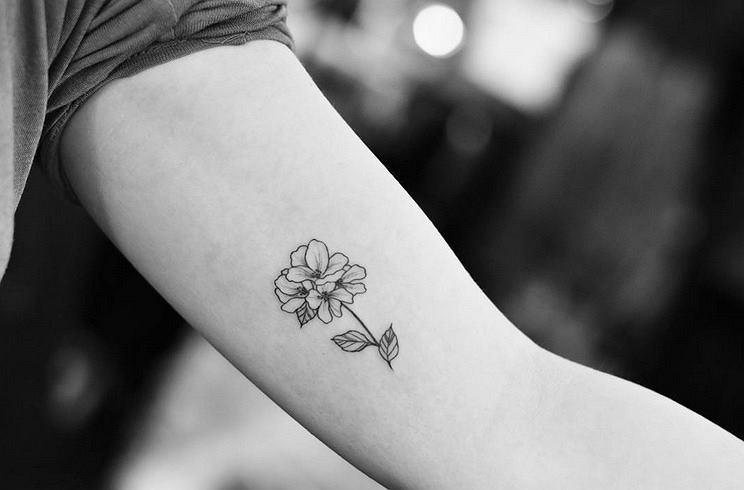 Jak Nie Róża To Co 15 Najładniejszych Delikatnych Tatuaży Dla