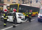 Karambol we Wroc�awiu. Autobus zderzy� si� z dziewi�cioma autami