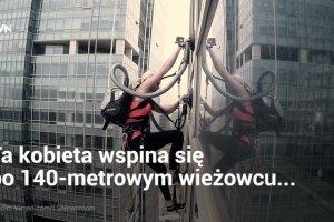 Ta kobieta wspięła się na 140 metrowy wieżowiec. Nie zgadniecie za pomocą jakiego urządzenia...