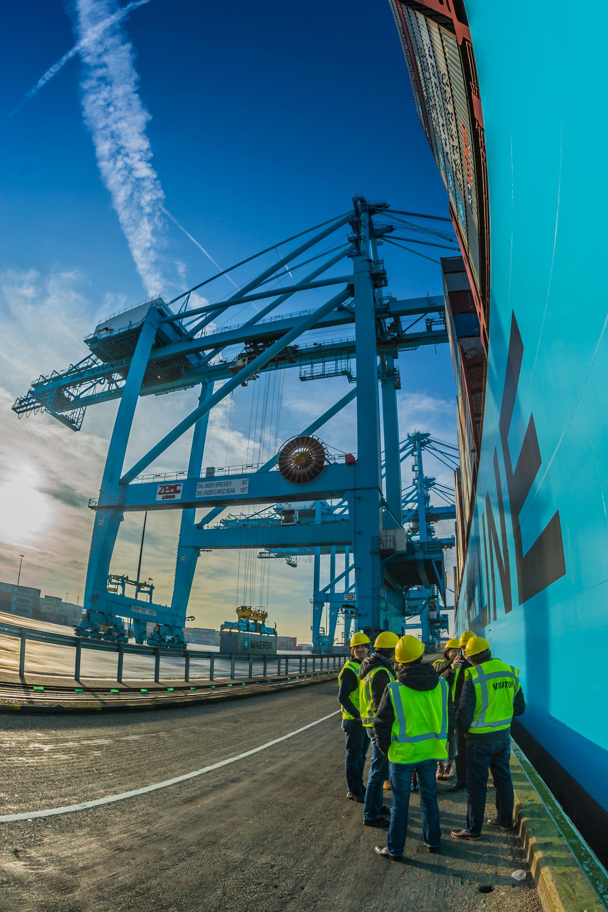 Mayview Maersk przy nabrzeżu APM Maasvlakte w Rotterdamie (fot. Robert Urbaniak)