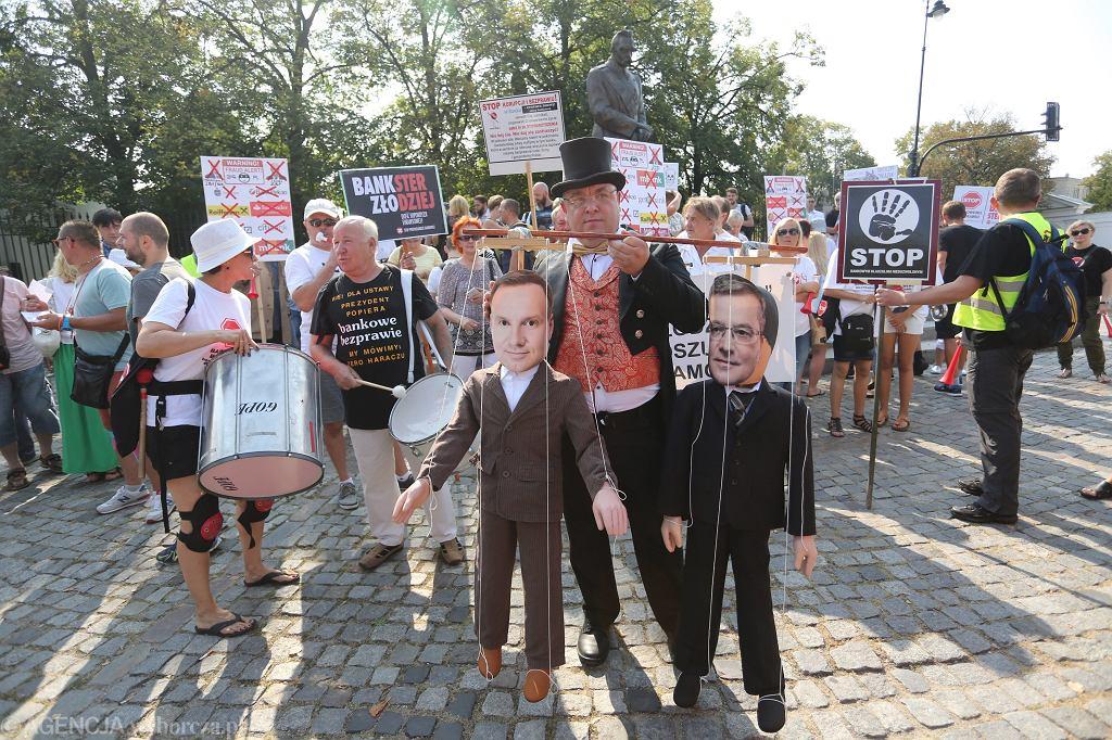 Zdjęcie numer 2 w galerii - Ponad 500 osób przeciw mBankowi. Łódzki sąd zajmie się ich pozwem zbiorowym. To już drugi taki przypadek