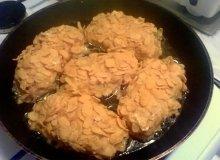 Filety z kurczaka nadziewane serkiem topionym w płatkach kukurydzianych - ugotuj