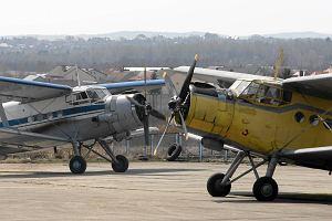 Wypadek na lotnisku w Mas�owie. Pilot �le podszed� do l�dowania