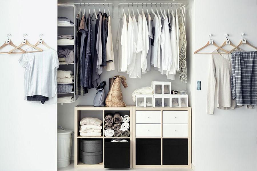 Porz dek w garderobie wieszaki i szafy for Meubles de garde robe ikea