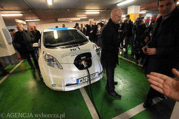 Otwarcie stacji ładowania samochodów elektrycznych w warszawskiej Galerii Mokotów