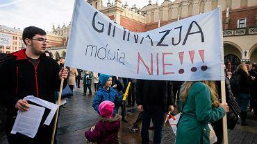 Protest przeciwko reformie minister Zalewskiej
