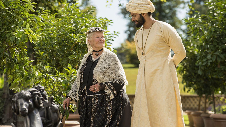 W filmie ''Powiernik królowej''  zagrali Judi Dench i Ali Fazal