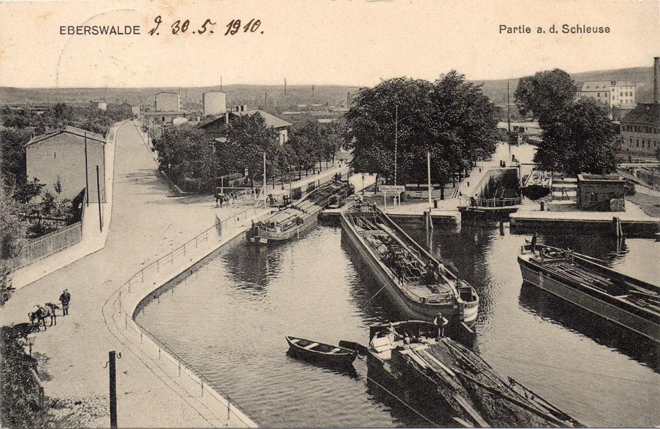 Zdjęcie numer 2 w galerii - Piękny album o dwóch kanałach: bydgoskim i niemieckim