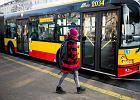 Autobusem na lekcje. Kolejne miasta fundują darmowe przejazdy uczniom