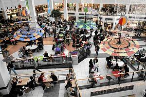Socjolog: Jeśli w niedziele zamkniemy centra handlowe, tłumy nie pójdą do kościoła