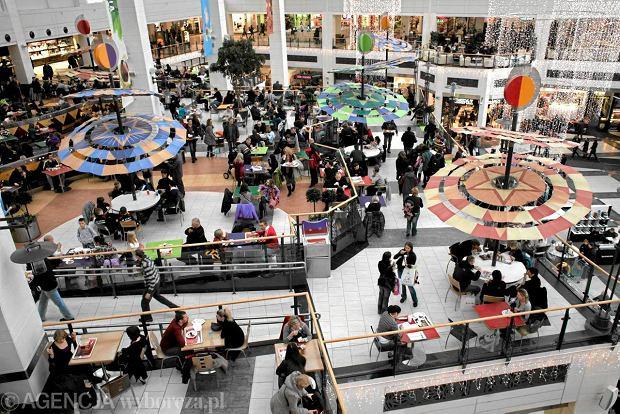 Zamkn sklepy w niedziel p miliona robi wtedy zakupy Sklepy designerskie warszawa