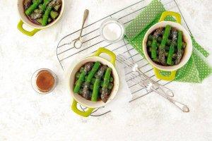 Szparagi karmelizowane