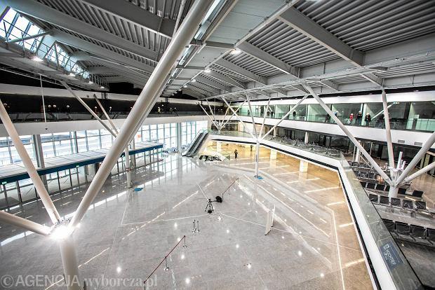 Lotnisko Chopina: nowy terminal otworz� 23 maja. Sporo nowo�ci