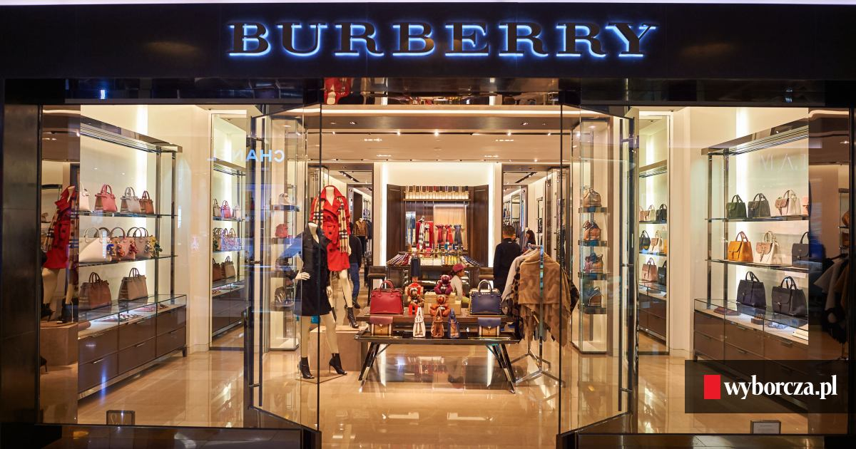 43bdb5fd0feea Burberry nie sprzedał towaru, więc go niszczy. Luksusu nie stać na obniżki  cen