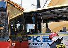 Autobus zderzył się z tramwajem pod Trasą Uniwersytecką w Bydgoszczy
