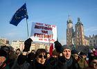 S�owacki tygodnik o Polsce Kaczy�skiego: Jak za Mecziara