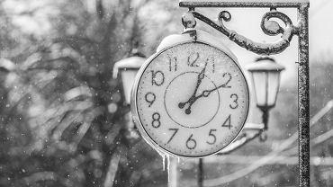 Zmiana czasu 2017: już niedługo przestawimy zegarki na czas zimowy. Co to daje?