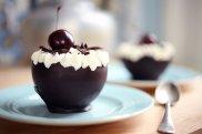 Tort szwarcwaldzki w czekoladowych miseczkach