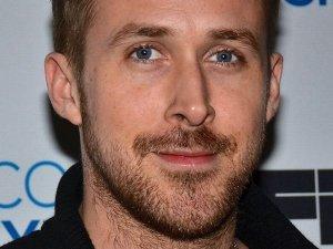 Jak Ryan Gosling wygl�da lepiej?
