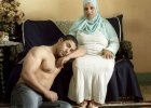 Denis Dailleux sfotografował młodych Egipcjan i ich matki: Uderzyła mnie niezwykle silna emocjonalna więź, która ich łączy