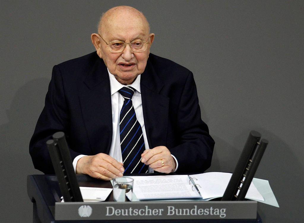 Marcel Reich-Ranicki podczas przemówienia w Bundestagu, styczeń 2012 r.