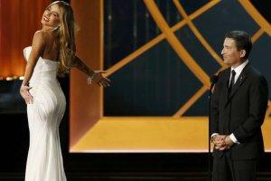 """Internauci i ameryka�skie media by�y oburzone """"�artem"""" Vergary na Emmy. Aktorka odpowiedzia�a"""