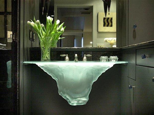 Niczym g�ra lodowa - niesamowity projekt szklanej umywalki. Projekt: Glassworks