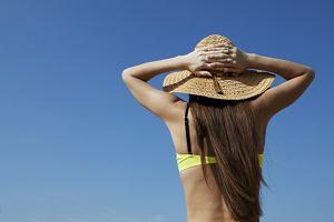 Kapelusz damski na lato - jak dobrać odpowiedni model?