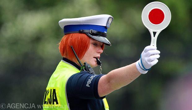 Będą podwyżki dla policji, wojska, nauczycieli, pielęgniarek i urzędników. Podajemy kwoty i terminy