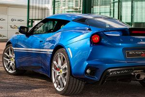 Lotus | Dobre wyniki i SUV w drodze