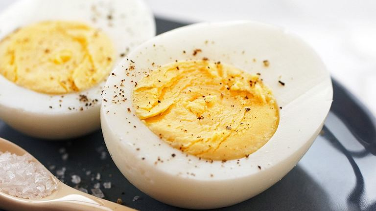 Jajka wspomagają spalanie tkanki tłuszczowej.