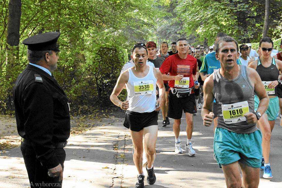 755a1c3d Zdjęcie numer 1 w galerii - Maraton Warszawski. Tysiące biegaczy w  Łazienkach [KOMENTARZ BARTOSZEWICZA